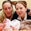 Chatell con su madre (Señora Steadman) y su bebe