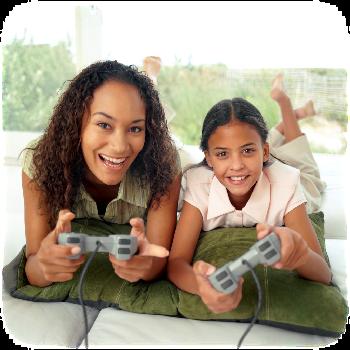 Jugando Playstation