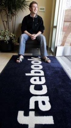 mark zuckerberg jefe y creador de facebook, paga 65 millones