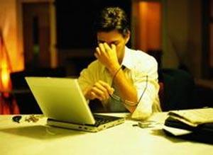 persona estresada en el trabajo