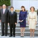 Nicolás Sarkozy y Carla Bruni junto a la Familia Real