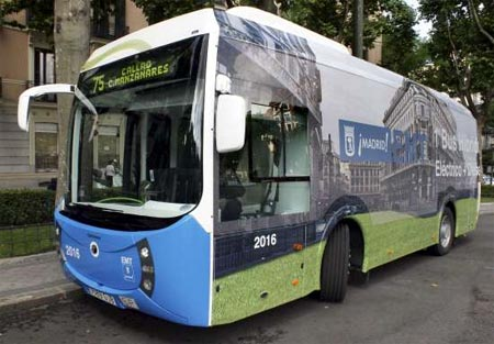 Primer autobus hibrido construido en españa