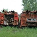 Camiones oxidados despues del desastre nuclear de chernobyl