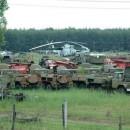 Tanques abandonados en el campo del accidente de chernobyl