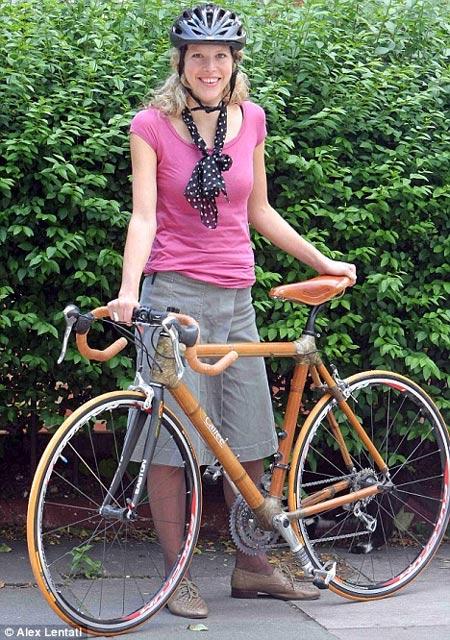 Bicicleta fabricada de bambu