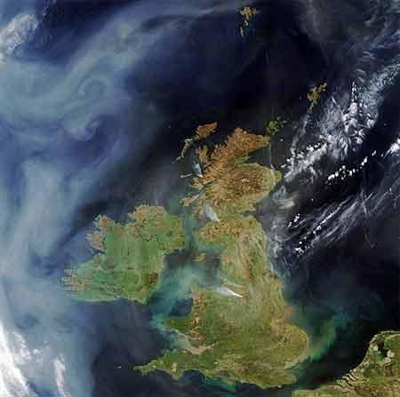 Pasando por Irlanda y el desierto de Sahara, unas nubes muy contorneadas