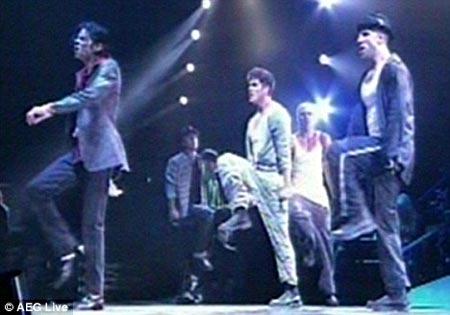 Michael Jackson Ensayando Baile Cancion Quot They Don Care