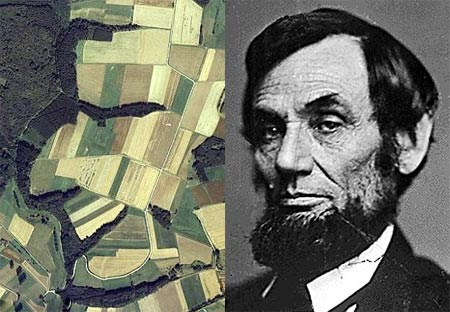 Abraham Lincoln en un sembradio captado por Google Earth