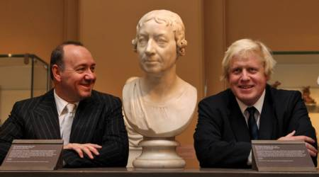 Boris Johnson y Kevin Spacey en museo de Londres