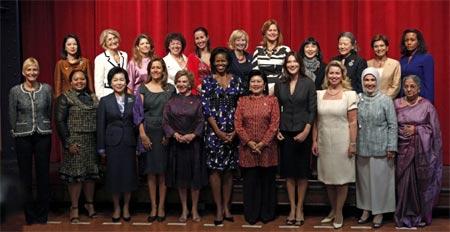 Foto oficial de las primeras damas en la cumbre G20
