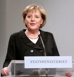 Canciller alemana Angela Merkel critica a Google Books