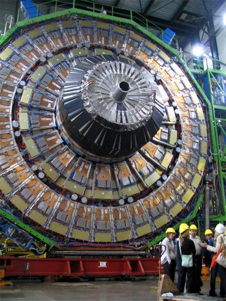 Teorias paranoicas sobre el autosabotaje del LHC