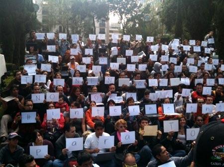 Twitteros manifestandose en contra al impuesto del 3%
