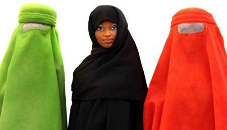 Barbie con la tradicional ropa islámica