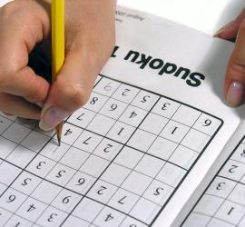 Jugar sudoku para quemar 90 calorías