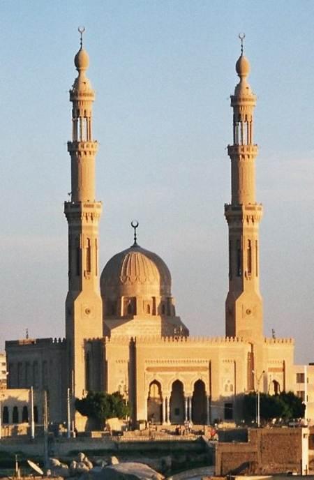 Italia podria prohibir los minaretes como suiza