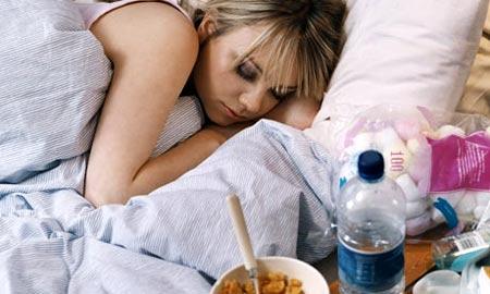 Chica adolescente durmiendo profundamente