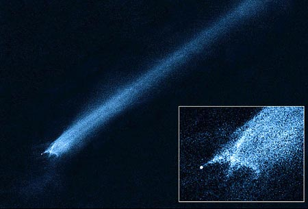 Coalicion de asteroides en el espacio