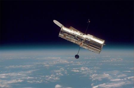 Telescopio espacial Hubble en el espacio