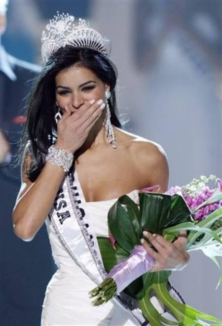 Rima Fakih emocionada por la coronacion de Miss USA 2010