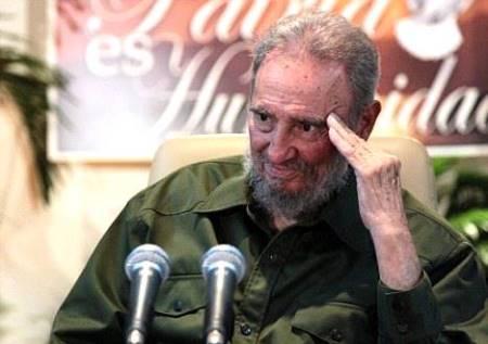 Fidel Castro en conferencia de prensa