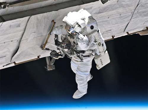 Segunda caminata de la expedición 24 en la ISS fue un éxito