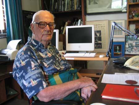 Arthur C Clarke predijo la aparición de Internet