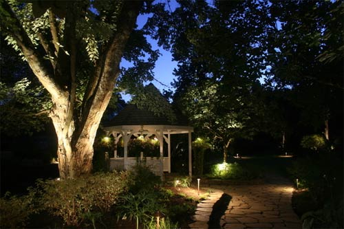Ilumina tu jard n con energ a solar globbos - Iluminacion jardin solar ...