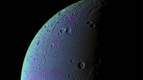 Dione, luna de Saturno, tiene oxígeno