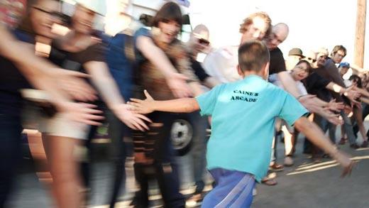 Caine Monroy feliz por el éxito de su evento en Caine´s Arcade