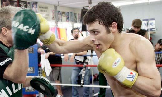 Julio Cesar Chavez Jr se prepara para enfrentar a Andy Lee, boxeador irlandes