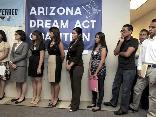 Arizona rechaza a indocumentados