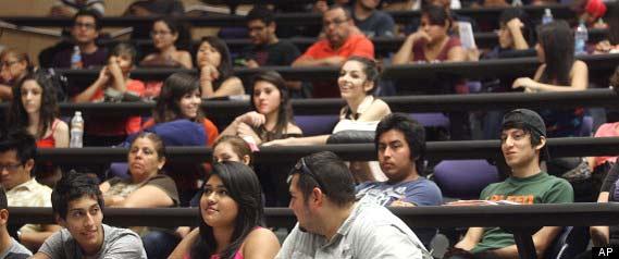 El alto numero de Hispanos en Universidades los convierte en minoria mayoritaria