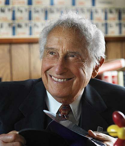 Fallece el inventor Stanford Ovshinsky