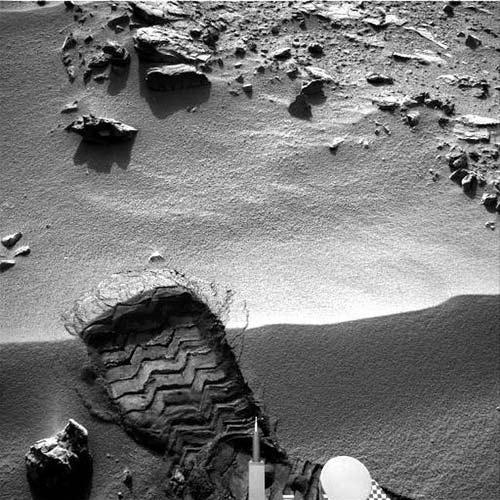 Huella de Curiosity sobre Marte