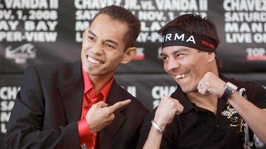 Nonito Donaire y el Travieso Arce en rueda de prensa divirtiéndose como buenos amigos pero lanzándose amenazas de box