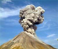 Volcan de Colima hace erupción y provoca histeria colectiva