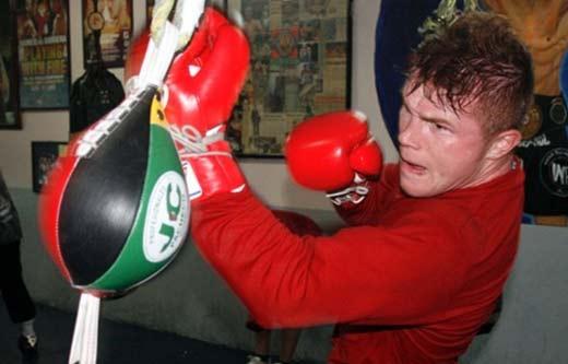 Canelo Álvarez entrenando duro para pelear con Austin Trout
