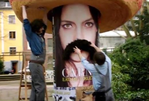 Publicidad de McDonalds donde ponen bigote a chica mexicana como estereotipo