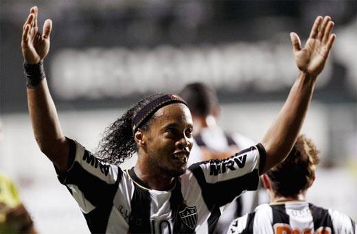 Ronaldinho cerca de ganar