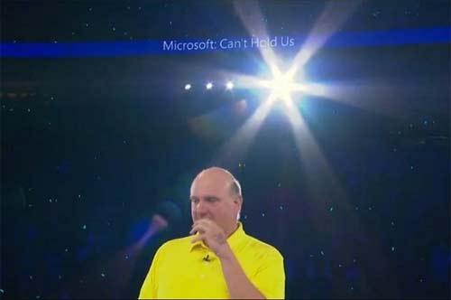 Steve Ballmer playera amarilla