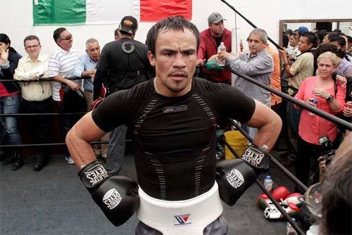 Juan Manuel Marquez posando