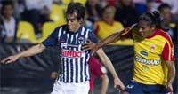Morelia contra Monterrey enfrentandose en la Jornada 11