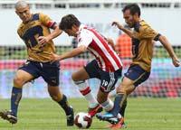 Pumas enfrenta a Chivas en la Jornada 16