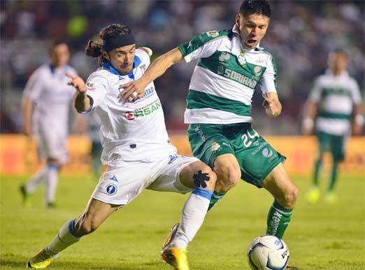 Santos contra Querétaro en la Jornada 4 enfrentandose para sobrellevar el peso