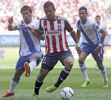 Chivas enfrenta a Puebla en el Estadio Omnilife