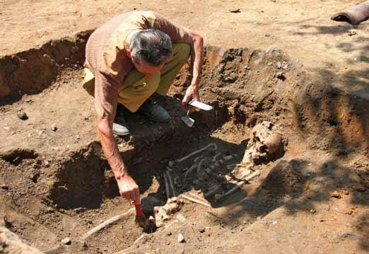 Esqueleto de un vampiro hallado en Bulgaria