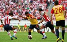 Chivas enfrenta a Monarcas y luchan por ganar