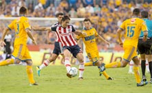 Chivas enfrenta en casa a Tigres en un juego complicado