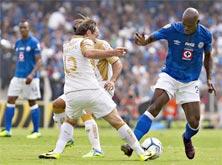 Cruz Azul enfrenta a Pumas de la UNAM en el Estadio Azul